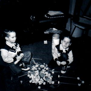 Alan Larkin (right) and brother playing with tinkertoys circa 1959.